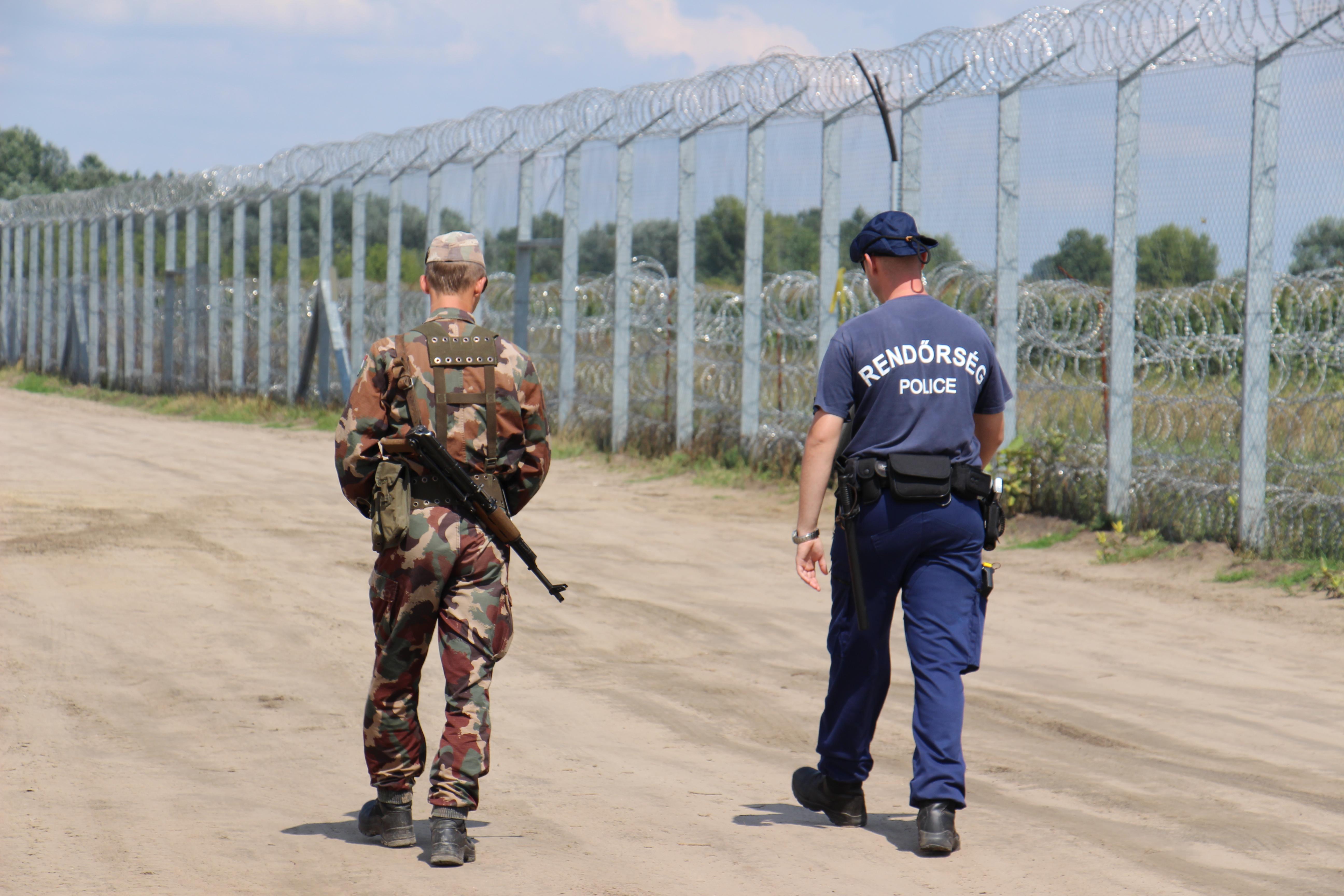 Stop soros coup dur pour les ong pro migrants en hongrie visegr d post - Pro btp prevoyance coups durs ...