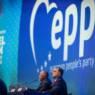 Le PPE tire d'un règlement « invisible » une arme contre le Fidesz